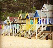Beach Huts  by nczpo