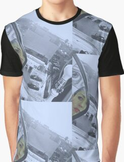 THE LOOKER Graphic T-Shirt
