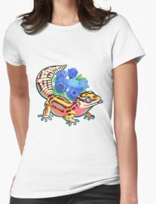 Bold gecko Womens Fitted T-Shirt