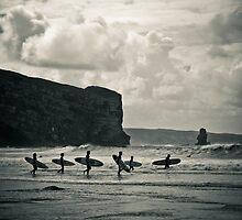 Surfers by ramosnuno