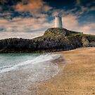 Lighthouse Beach by Adrian Evans