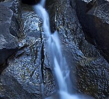 small water fall mundy regional park by Elliot62