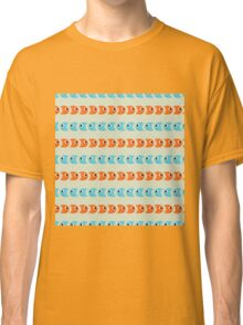 Seamless pattern with smile blue and orange fish Classic T-Shirt