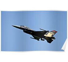 Solo Turk   Turkish Airforce F16 Fighting Falcon Poster