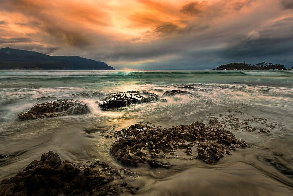 Sunrise Pirates bay, Tasmania  by Robert-Todd