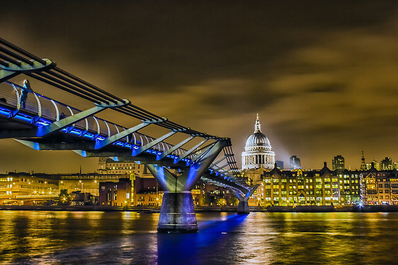 St pauls and the Millennium bridge by Ian Hufton