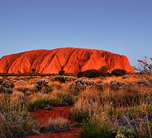 Uluru at twilight by andreisky