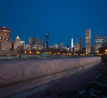 Buckingham fountain in a wintry dawn by Sven Brogren