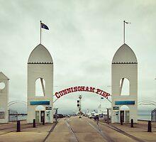 Cunningham Pier by Linda Lees