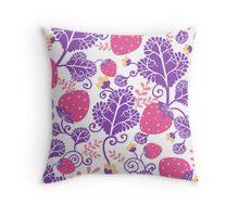 Yummy strawberries pattern Throw Pillow