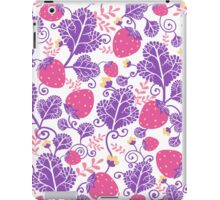 Yummy strawberries pattern iPad Case/Skin