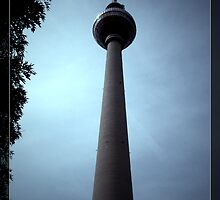 Fernsehturm at Alexanderplatz  by blue-roses