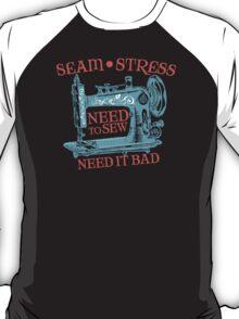 Funny seamstress vintage sewing machine T-Shirt