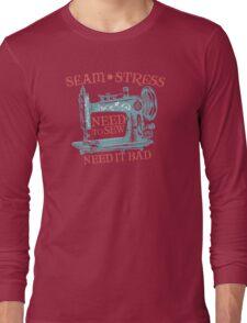 Funny seamstress vintage sewing machine Long Sleeve T-Shirt