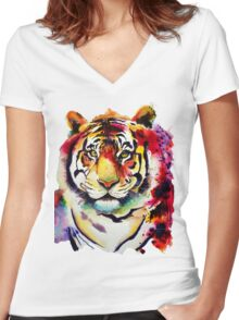 The big Tiger Women's Fitted V-Neck T-Shirt