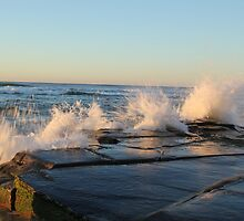 crashing waves at Bar beach Newcastle  by Troy Simcoe