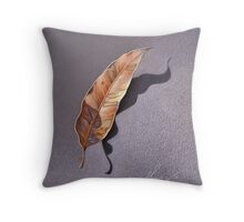 Dry leaf Throw Pillow