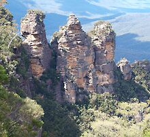Echo Point Blue Mountains NSW by Virginia  McGowan
