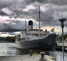 Down on the wharf in Stockholm  (3) ... the SS.SANKT ERIK by Larry Lingard/Davis