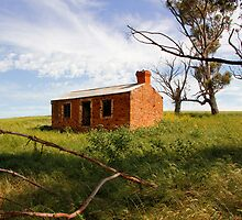Abandoned Cottage Australia by jwwallace