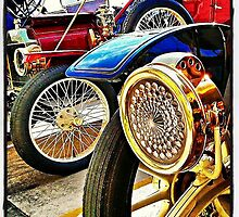 Vintage Round and Round  by Kim Taylor