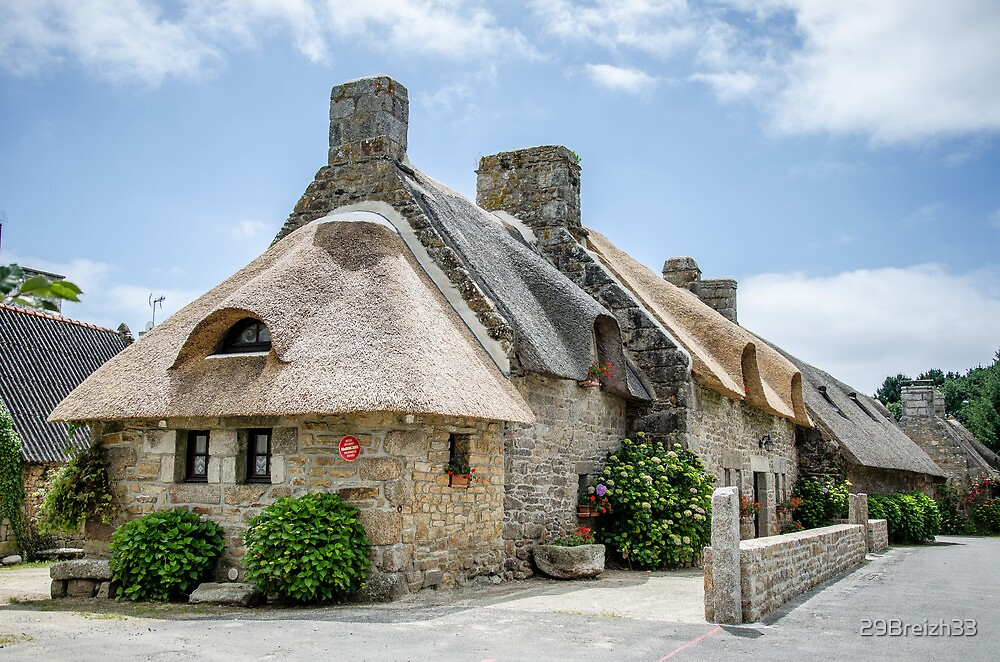 Thatched cottage in Brittany by 29Breizh33