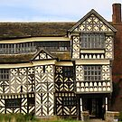 Little Moreton Hall by Gavin68