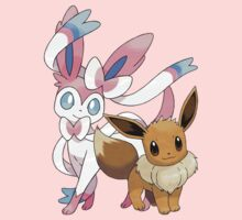 Sylveon and Eevee by Stephen Dwyer