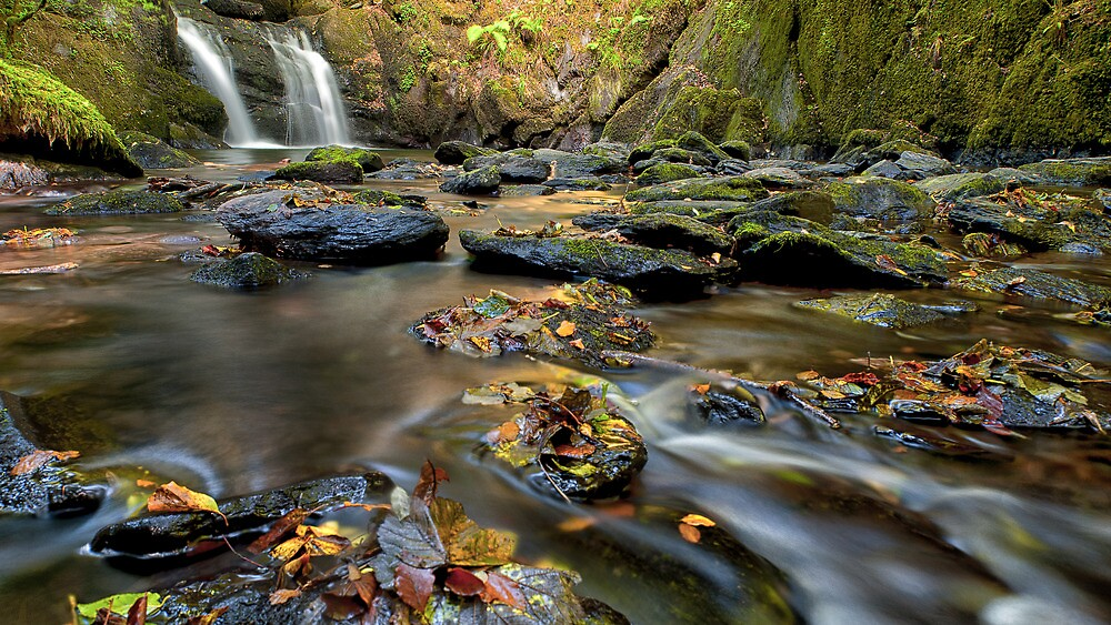 Mullinhassig Waterfall by DesDaly