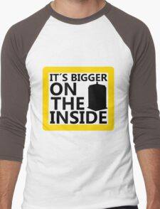 It´s Bigger On the Inside -Yellow Sign Men's Baseball ¾ T-Shirt