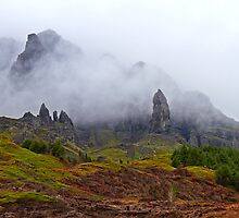 Old Man of Storr ~ Isle of Skye by Robert Elliott