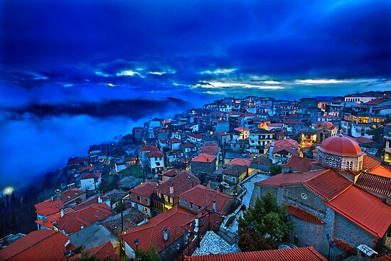 Night falling in Arachova by Hercules Milas