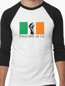 Irish Republican design in Gaeilge Men's Baseball ¾ T-Shirt