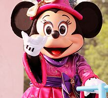 Minnie Mouse by HeloiseDiez