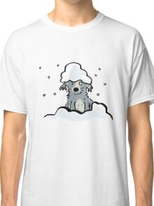 dog in the snow Classic T-Shirt