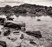 Graystone Rock by artistrobd