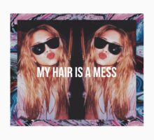 MY HAIR IS A MESS by Gerard López Pie