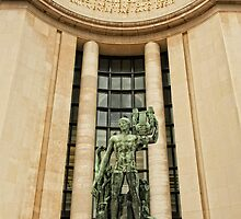 A Sculpture From Place Du Trocadero © by © Hany G. Jadaa © Prince John Photography