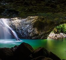 Natural Arch Waterfall Springbrook by apocs