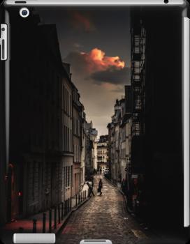 Red cloud in Paris (France) by Olivier Sohn