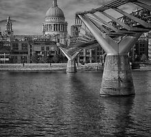 St Paul's Cathedral and the Millennium Bridge by Rob Howard