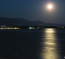 moon over the bay by tbshots
