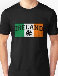 Vintage IRISH Flag (Distressed Design) Unisex T-Shirt
