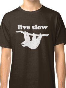 Cute Sloth - Live Slow (Vintage Distressed Design) Classic T-Shirt