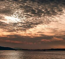Fintry Bay at dusk by Glaspark