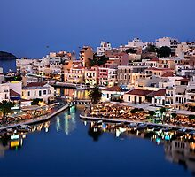 Blue hour in Agios Nikolaos by Hercules Milas