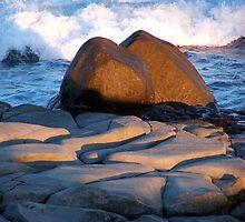 Rocks, Yamba NSW by Gillian Ingersole