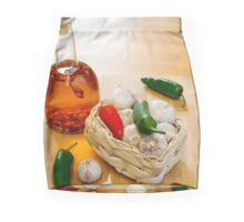 Garlic and Chilli Basket With Oil Mini Skirt
