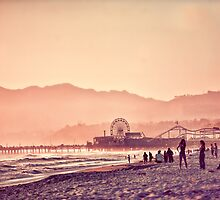 Santa Monica Beach  by enlightenedscrp