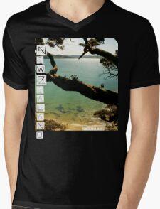 New Zealand - Whale Bay - Tshirt Mens V-Neck T-Shirt